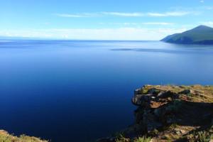 замерзшее озеро байкал