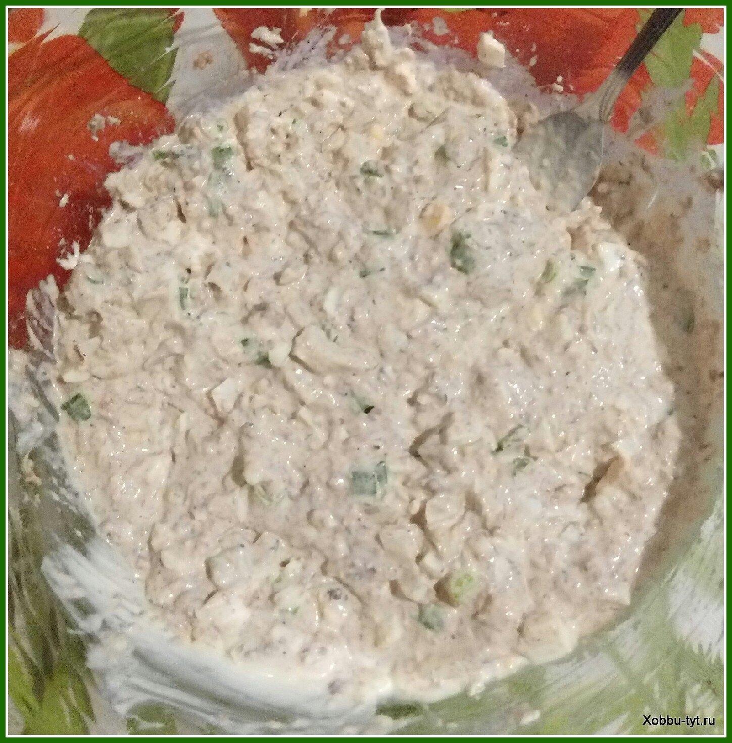 Салат из рыбных консервов с рисом рецепт
